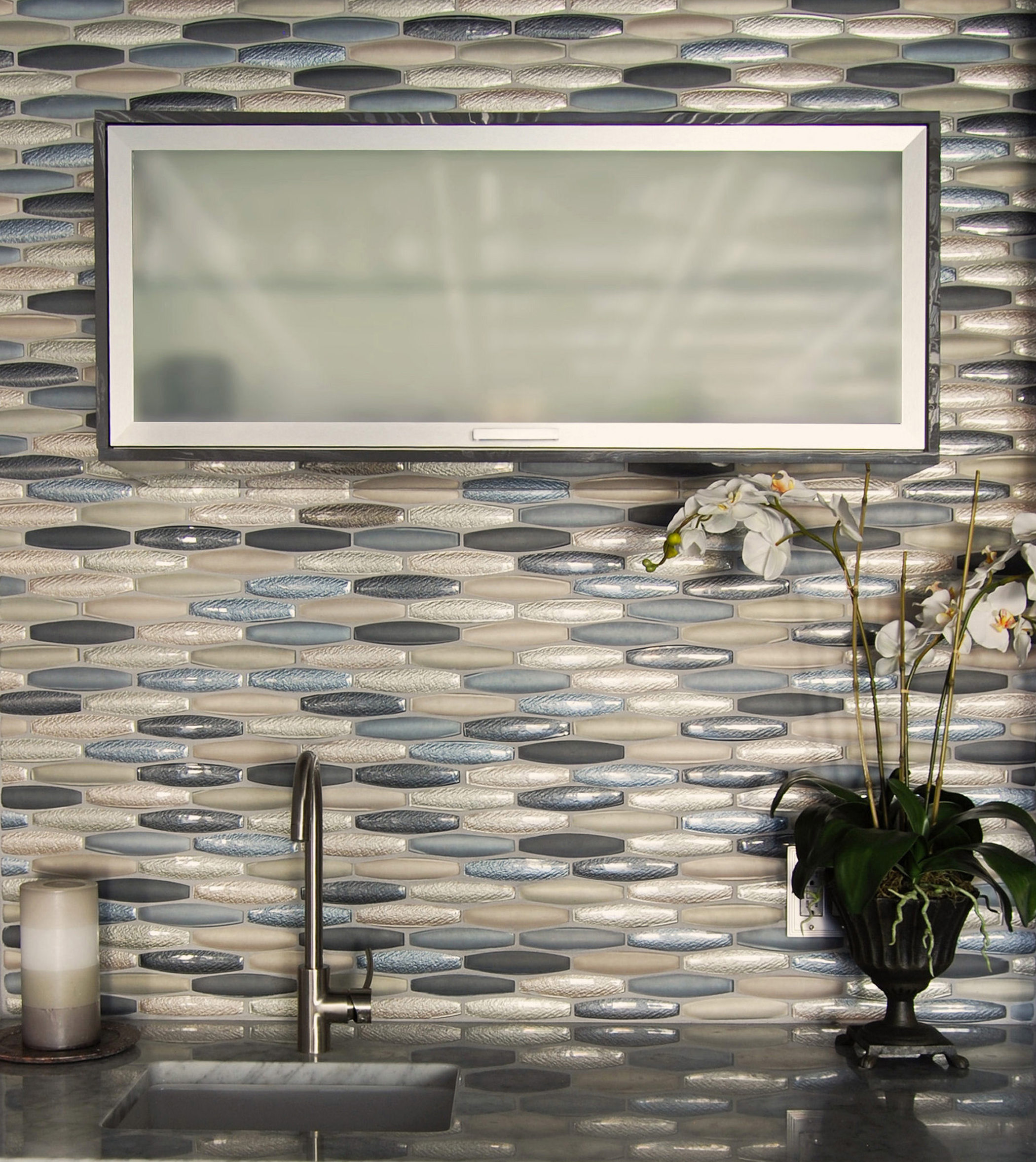 Allure_AC0060_BackSplash_HirschGlass