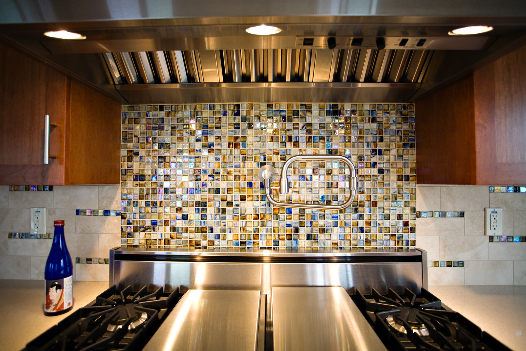 jewelstone_ji1240_backsplash_hirschglass